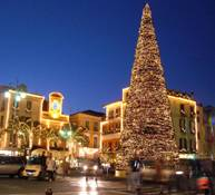 http://www.travelitalytravel.com/Italian_events_and_attractions_calendar/christmas_in_sorrento_southern_italy.jpg